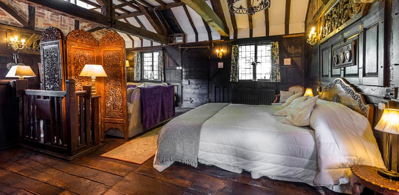Fabulous cottage bedroom in Rugby, Warwickshire