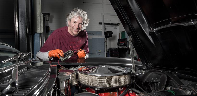 Edd China, Wheeler Dealers with CTEK charger